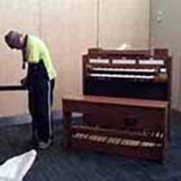 picture of piano being moved